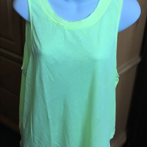 Splendid Tops - Splendid women's Sleeveless tank top Sz L.  NWOT